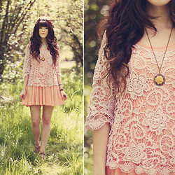 . . - Chic Wish Crochet Top, Chic Wish Dress, Oasap Necklace, Tevin Vincent Floral Crown - Lace & Pleats