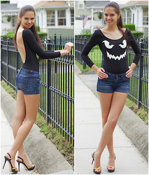 Valentina - Nasty Gal Glowing Jack O Lantern Bodysuit, Guess? Denim Shorts, Carlo Pazolini Shoes - Summer Madness