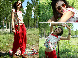 Zorjana Kanjuga - My Handmade Red Pants - Little of red