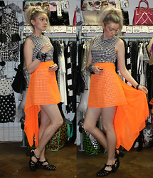 Roxanne Rokii - Motel Harper Gingham Dress With Daisy Trim, Rokii Black Bandana On Wrist, Neon Orange Skirt, Necklace, Juju Jelly Shoes - 29-06-14 - Neon orange skirt and Gingham dress