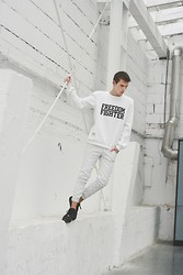 Romek Gelard Gello - Air Force 1 Via Hoodboyz.De, Blouse Freedom Fighter - Freedom Fighter/White