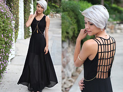Erika Fermina - Lush Binding Maxi, Brandy Melville Usa Altered Body Chain, Madden Girl Cut Out - For Elyse