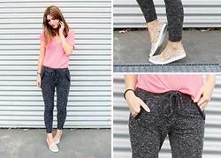 Monika Warholá - Pimkie Top, Sweatpants, H&M Slip Ons - Sweatpants Sunday