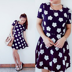 Keisee Rebadomia - Vitamin Daisy Dress, Klipwalk Wedge Shoes, Belladonna Bag, Myxyph Daisy Choker - Where Daisies At