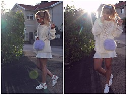 Emmy Nikolausson - Nelly Shoes, River Island Bag - - FLUFFY BAG -