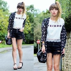 Agata P - Persun Persunmall White Weirdo Print Crop Top With Lace Hem, Yes For Chiffon Cardigan, Yes For Black Shorts - WEIRDO ^^