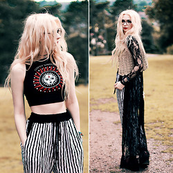 Kayla Hadlington - Gypsy Warrior Crop Top - IN THE CORE I'VE FORGOTTEN IN THE MIDDLE OF MY THOUGHTS