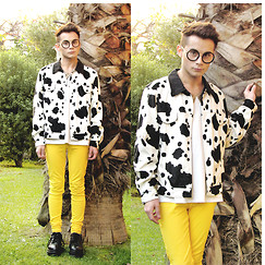 ROD Aguilera - Faux Fur Cow Jacket, Yellow Skinny Pants, Do It Accessories Round Glasses - FEELING MOO