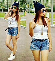 Julie Lozada - Born Pretty Store Beanie Hat, Random Shop Tee, Jewels Short, Korean Shop Shoes, Ray Ban Aviator - Cat Ears