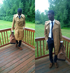 Nas Abayomi - Burberry Trench Coat, Uniqlo Knit Tie, Gucci Leather Belt, Weekender Bag, Tassel Loafers, Alfani Fitted Shirt, Zara Window Pane Suit Pants - New England's Storm watcher