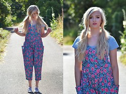 Alix E - Vintage Jumpsuit, Topshop Crop Top, Keds Shoes - Fleurs