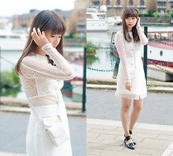 Van Anh L. - Threefloor White Lace Dress - La Blanc