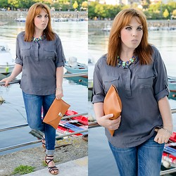 Yania Pereira - Massimo Dutti Shirt, Zara Jeans, Shana Clutch, Persun Necklace - Grey Shirt