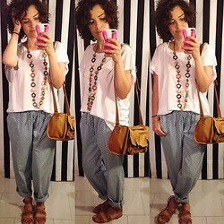 Pippi F. - Pull & Bear Tee, Zara Sandals, Mango Pants, Pull & Bear Necklace, Zara Bag - An island in the city.