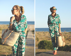 My Showroom Priscila - Albi Bag, Zara Shoes, Stella Mccartney Sunnies, Swarovski Bracelet, Vintage Necklace, Sheinside Jumpsuit - Floral Jumpsuit