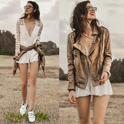 Elle-May Leckenby - Viparo Latte Stonewash Premium Nz Lambskin Leather Jacket, S E N O Senso Daria Boot, Choies Angel Romper, Zerouv Vintage Framed Sunglasses - Stonewash leather ~ Giveaway!