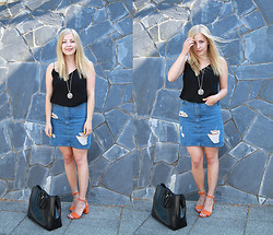 Joanna M - Zara Top, Monki Skirt, Vagabond Shoes, Longchamp Bag, Kalevala Koru Necklace - OH, SUMMER