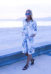 Isabel Aldén - Zara Dress, Ray Ban Sunglasses, H&M Sandals - Blue Sunset.