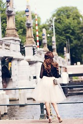 Virgit Canaz - Alexandra Grecco Tulle Skirt, Oasap Blouse, Valentino Rockstuds Heels - Tulle skirt of my dreams