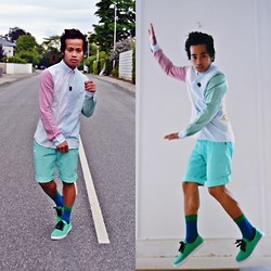 Brian Peter - H&M 3 Toned Shirt, H&M Teal Shorts, H&M Bg Socks, Vans Sneakers - Walk, strike a pose, jump and push!