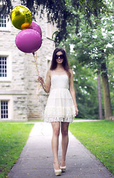 Cassandra Giugno - Ultra Pink White Lace Dress, Promise Nude Pumps - Lace & Balloons