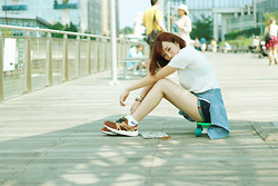 Angela Miuz Chan - Urban Outfitters White T Shirt, Hollister Shorts, Nike Socks, Reebok Sneakers - BROOKLYN GIRL