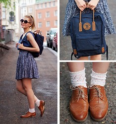 Jenni R. - Fjällräven Backpack, Vintage Silk Top, Monki Floral Skirt, Vintage Lace Socks, Samuji Oxford Shoes, Lindex Sunglasses, Pink Lipstick - Backpack girl