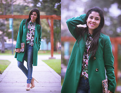 Val Val - United Colors Of Benetton Green Coat, Zara Flowered Blouse, Guess? Jeans, Vintage Clutch - The Green Coat