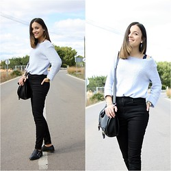 Laura Pla Cataluña - H&M Sweater, Zara Jeans, Pull & Bear Shoes - Baby blue