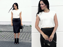 The Day Dreamings - Oasap Crop Top, Zara Leather Skirt, Chicnova Bag, Primark Booties - Monochrome