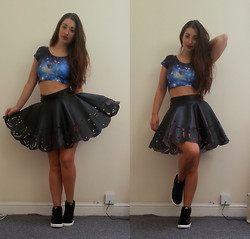 Ella Simpson - Aliexpress Blue Galaxy Crop, Roses And Bones Leather Skater Skirt, Nike Velvet Blazers, Chanel Red Lipstick - I GOT A NEW JOB :D