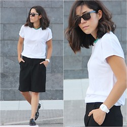 Romalo B - & Other Stories T Shirt, Zara Bermudas, Zara Loafers - SPORTY TOUCH
