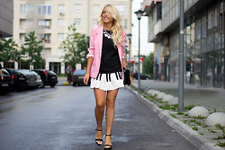 Ilda Hadzic - Oasap Dress, Sheinside Blazer - Piano