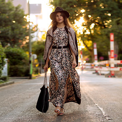 Michèle Krüsi - Sugarhill Boutique Dress, Proud Jacket, Stella Mccartney Falabella Bag, Maison Michel Hat - BOHEMIAN SUNSET