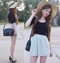 Ariadna M. - Lovelywholesale Black Crop Top, Oasap Black And White Polka Dot Skirt, Frontrowshop Black Pointed Toe Pumps, Asos Straw Hat, Ecugo Black Bag - Polka dots