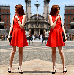 Jules S -  - Red dress in Milano