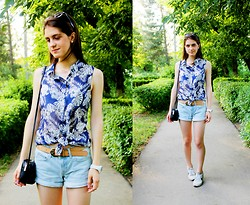 Alina Krasnaya - Stradivarius Shirt, H&M Short, Nike Sneakers, H&M Bag, Ebay Glasses - TROPICAL