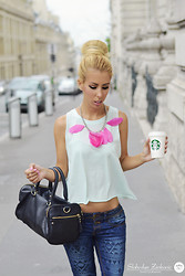 Jelena Gajic - Stradivarius T Shirt, Terranova Pants, Zara Bag, H&M Necklace - Luxembourg Coffee Moments