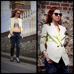 Natalya Gordiyenko - Scotch&Soda Cotton Jacket, H&M Satin Top Bra, Diesel Boyfriend Jeans, Nike Sneakers - Normady breeze look