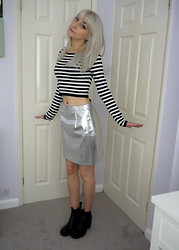 Kirsty Dawson - H&M Short Jumper, River Island Silver Metallic Leather Look Mini Skirt - OOTD 02.08.14