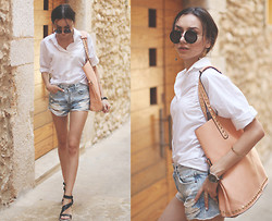 Bea G - Shirt, Shorts, Sandals, Bag, Sunglasses, Watch - Old Town