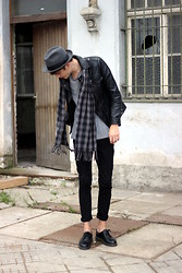 Sam Mü - Dr. Martens Shoes, Weekday Shirt -  diamond days.