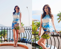 Viktoriya Sener - Blackfive Dress, Zara Clutch, Zara Sandals - CINQUE TERRE