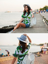 Viktoriya Sener - Mr. Gugu & Miss Go T Shirt, Boohoo Shorts, Converse Trainers, Asos Hat, New Look Backpack - MEETING SUNSET