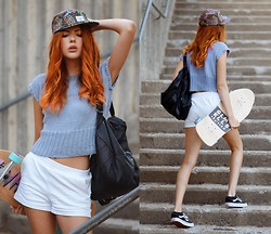 Ebba Zingmark - We Are Knitters Diy Knitted Top, Profound Aesthetic Hat, Glamour Kills Board, Style Moi Backpack, Vans Sneakers, Primark Shorts - YOU HEAL // YOU GROW