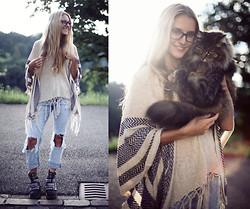 Jessica Christ - Fizzen Poncho, Pull & Bear Ripped Boyfriend Jeans, Jeffrey Campbell Colburn, Forever 21 Half Moon Necklace - Colburn