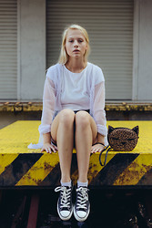 Iga Zubiel - H&M Bag, Converse Shoes - Kitty cat