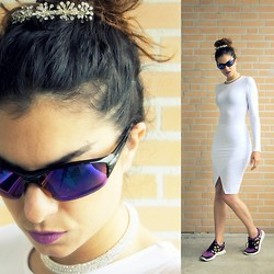 Trendbutter - Nike Free Run, Asos White Bodycon Dress, Mac Cosmetics Purple Lipstick Up The Amp - Future Bridesmaid