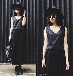 Phen Holy - Yesfor Skirt, Tomtop Tank Top - Black Hair