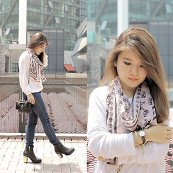 Sarah Mai - Daniel Wellington Classy York, Zara Long Sleeve Plain White Top, Bershka Jeans Legging, Guess? Quilted Sling Bag, Steve Madden Flight Booties, Bangkok Skull Scarf - Plain White Top x Jeans Legging Casual Outfit